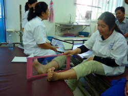 cambodia_amputee_assistance_theropy_055