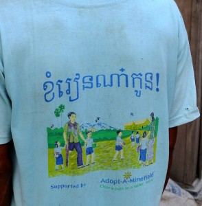 cambodia_amputee_assistance_theropy_200