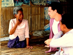cambodia_amputee_assistance_theropy_205