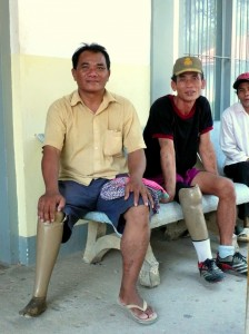 cambodia_amputee_assistance_theropy_605