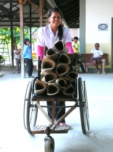 cambodia_amputee_assistance_theropy_675